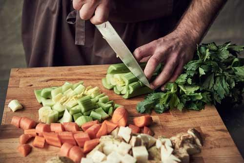 Jus de Legumes - Gemüse schneiden